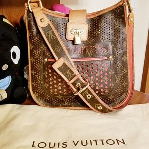 💯% Auth Louis Vuitton Perforated Orange Musette